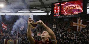 PES 2016 incluirá la celebración más famosa de Totti