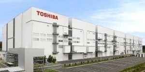 CEO de Toshiba dimite por escándalo contable