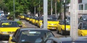 Taxistas protestan contra Uber en Guadalajara