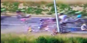 Aparatoso accidente en la etapa tres del Tour de France