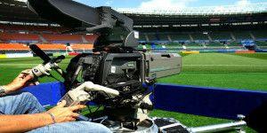 Roban cámara de Televisa en Copa Oro