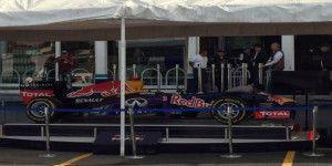Autos de Fórmula 1 llegan a la Central de Abasto