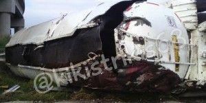 Pipa cae de puente en carretera Texcoco-Lechería