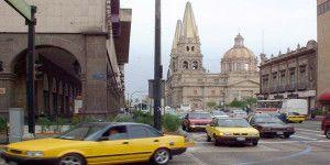Taxistas de Guadalajara piden que servicio de Uber sea tipificado como delito