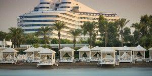 Crean lujoso hotel con forma del Titanic en Turquía