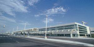 Desalojan aeropuerto de California por una granada