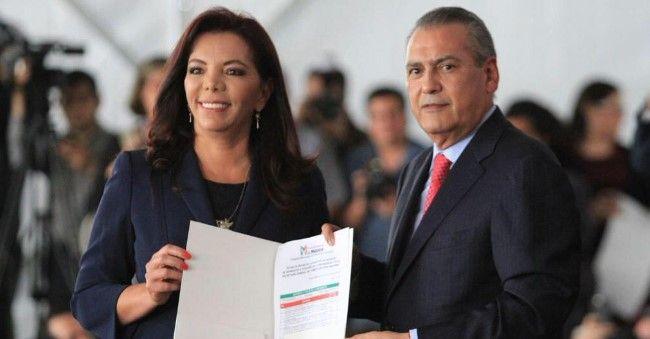 Manlio Fabio Beltrones aseguró que el PRI no anda buscando presidente, porque ya lo tienen. Foto de @raymundoking
