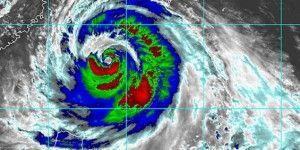 Súper tifón Soudelor impacta en Taiwán, se acerca a China