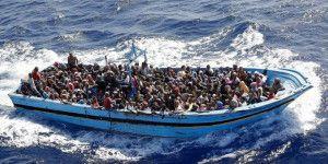 Guardia costera italiana rescata a 4 mil 400 migrantes en el mar