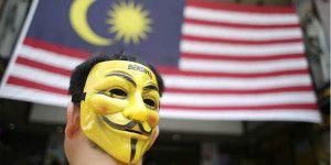 Miles protestan en Malasia contra primer ministro