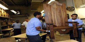 Reos de Filadelfia fabrican silla para el papa Francisco