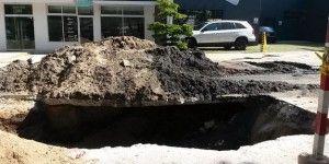 Aparece socavón de 4 metros en Guadalajara