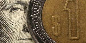 Dólar baja y se vende en 16.90 pesos
