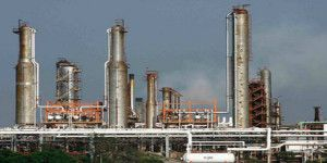Controlan incendio en la refinería de Minatitlán