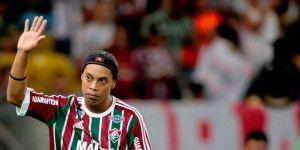 Ronaldinho deja el Fluminense