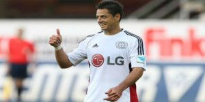 Futbolistas del Bayer Leverkusen elogian a Chicharito