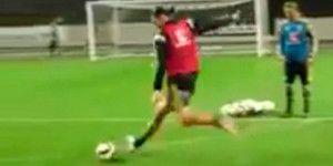 Video: golazo de Ibrahimovic en entrenamiento de Suecia