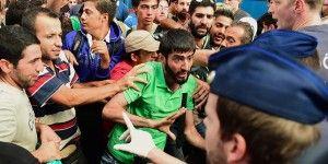 Sirios e iraquíes triplican solicitudes de asilo en Europa