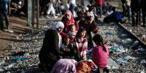 UE espera 3 millones de migrantes más en 2016
