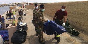 Mueren 13 turcos en naufragio frente a costas griegas