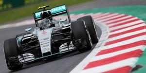 Rosberg manda de nuevo en el tercer día de pruebas