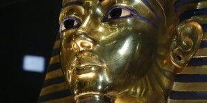 Restaurarán máscara de Tutankamón