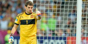 Video: Iker Casillas hace llorar de emoción a un niño