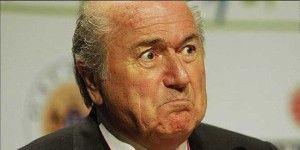 Blatter critica al comité de ética y culpa a Platini