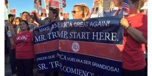 Hillary Clinton aparece en protesta ciudadana contra Trump