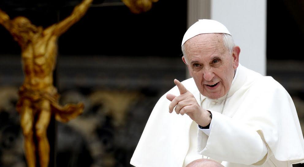 El Papa autoriza que la iglesia perdone el aborto