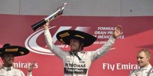 EPN felicita al ganador del Gran Premio de México