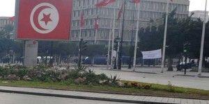 Al menos 14 muertos por explosión de camión presidencial en Túnez