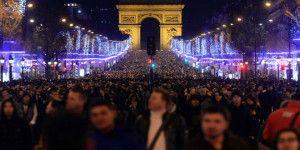 En París modifican celebración de Año Nuevo tras atentados