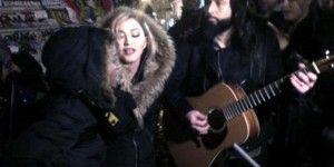Madonna canta en memorial de víctimas de atentados de París