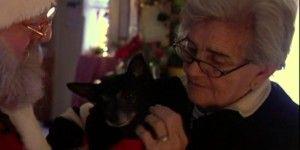 Video: el mejor regalo de Navidad para una mujer de 84 años