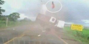 Video: dramático accidente carretero en Brasil