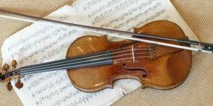 Hallan violín abandonado de 2.6 mdd