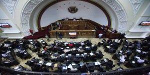 Aprueba Parlamento de Venezuela amnistía para opositores presos