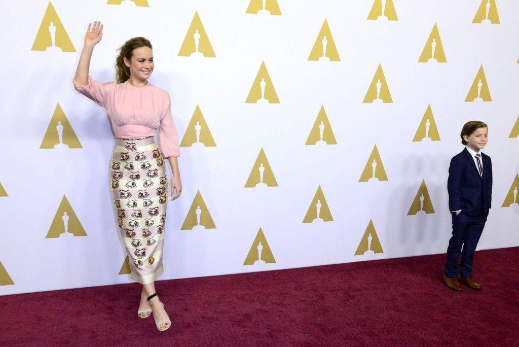 Brie Larson y Jacob Tremblay a su llegada al almuerzo para los nominados al Óscar. Foto de EFE
