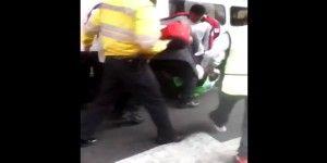 Destituyen a funcionario de Invea por patear a empleado de Ecoparq