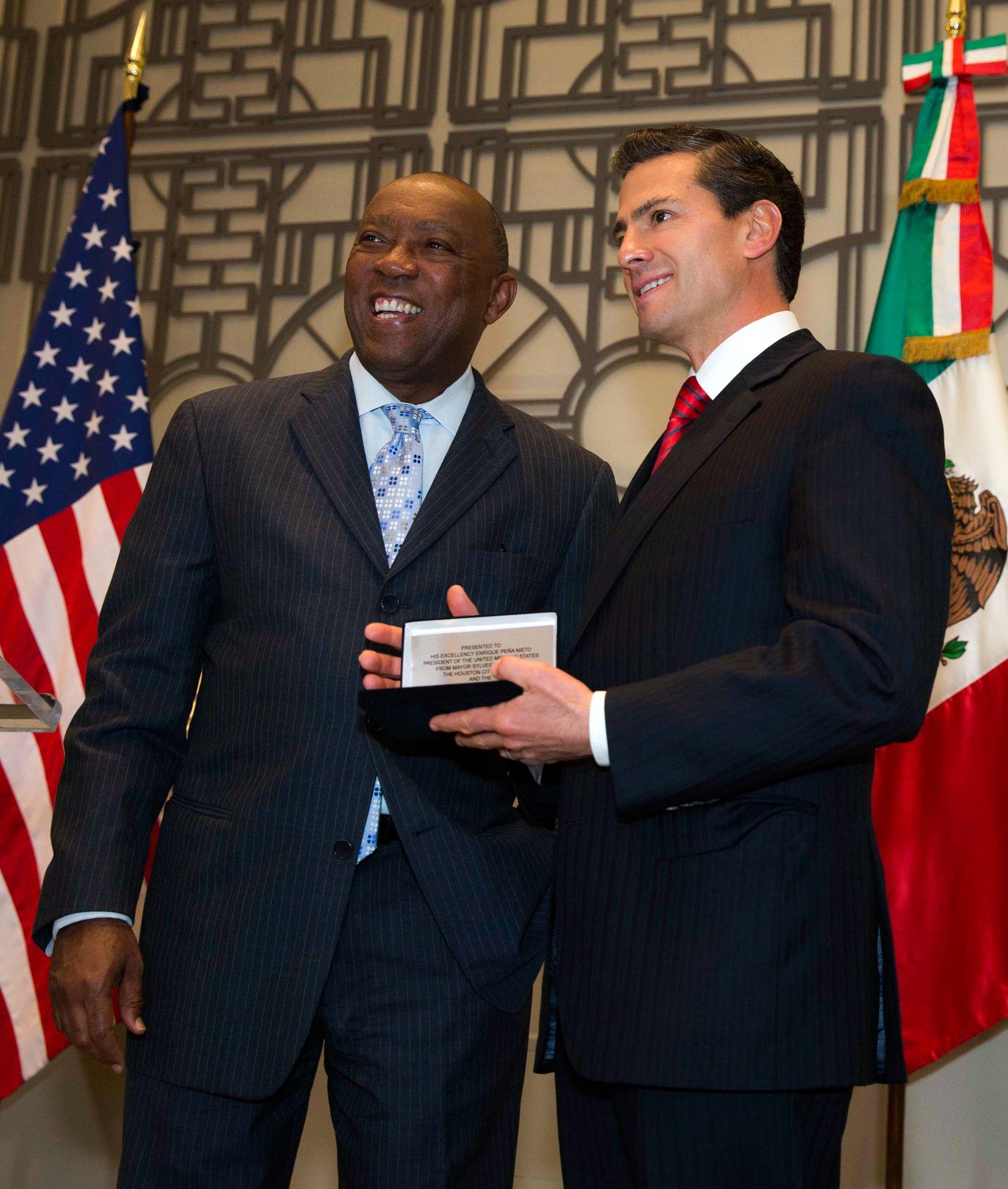 Peña Nieto recibe las llaves de la ciudad de Houston