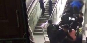 Video: cambio de dirección en escalera eléctrica provoca pánico