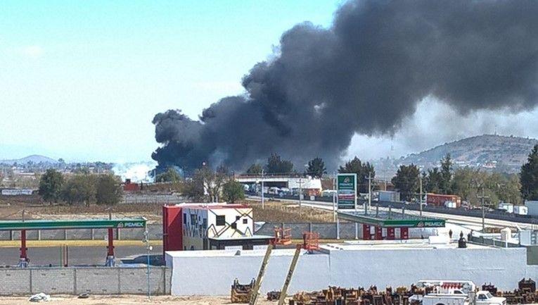 FOTOS: Carambola en la autopista Puebla-Orizaba, nueve muertos y vehículos calcinados