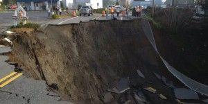 Video: socavón de 15 metros en avenida de Oregon