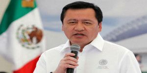 Osorio Chong condena vejaciones a maestros y manda mensaje a AMLO