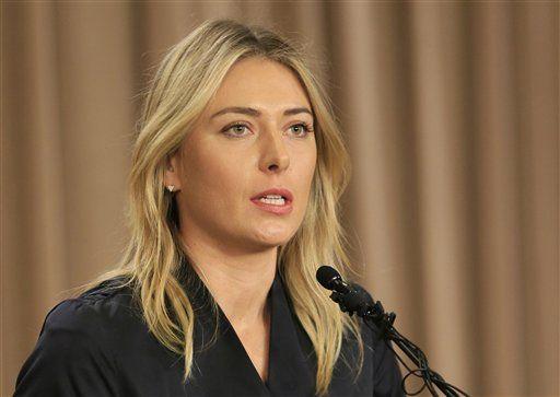 Maria Sharapova durante la rueda de prensa en la que anunció que dio positivo en un control antidopaje. Foto de AP