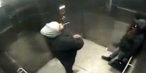 Video: apuñalan a mujer durante asalto en un elevador