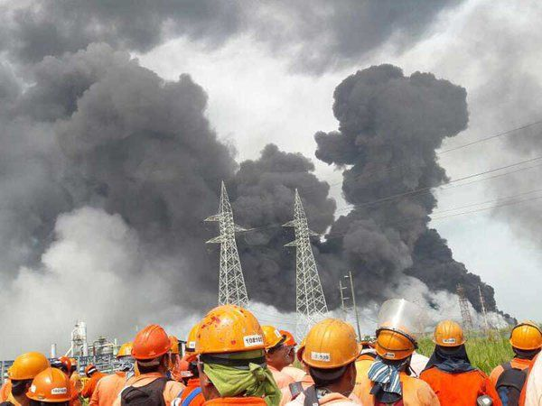 30 heridos tras explosión en planta petroquímica en México (VIDEOS)