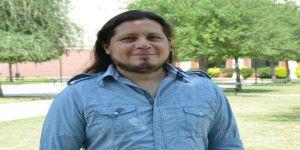 Maestro de Lady Matemáticas da clases niños de bajos recursos en Nuevo León