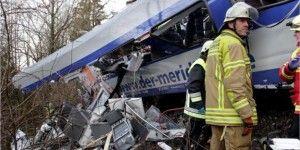 Conductor de tren usó celular antes de choque en Alemania